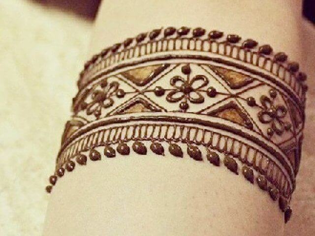 Hand Bangle style Henna designs