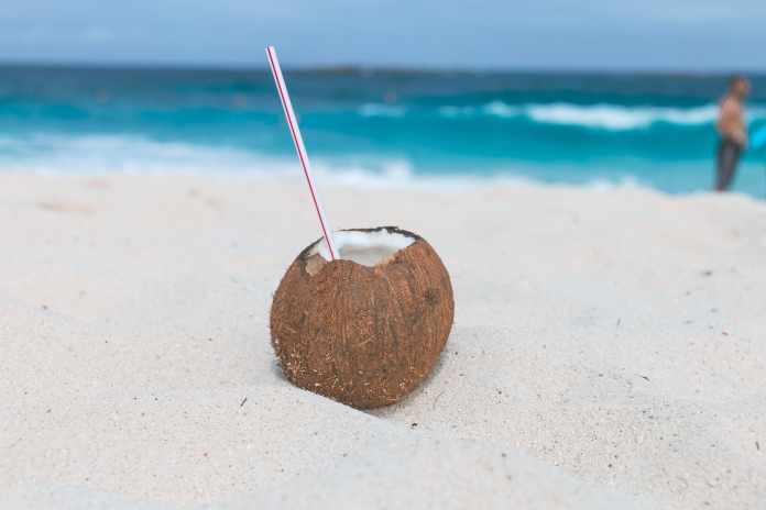Top 20 Benefits and Side Effects of Coconut Water