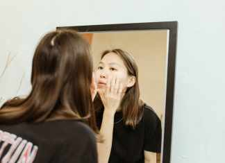 How to Remove Dark Spots Caused by Pimples?