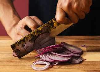 Benefits of Onion for Hair and How It Can Help Hair Regrow